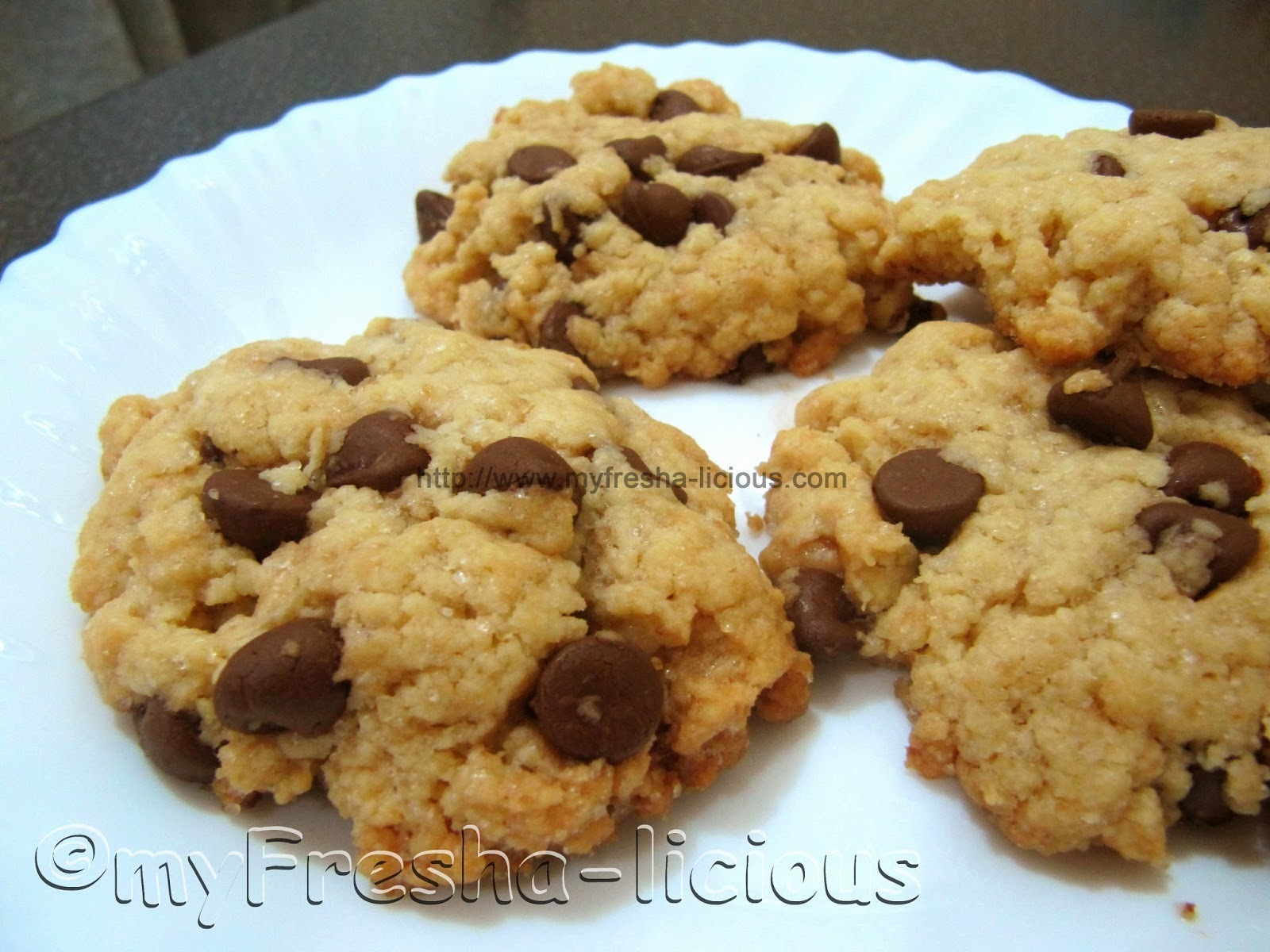 Low Sugar Added Chocolate Chips Cookies