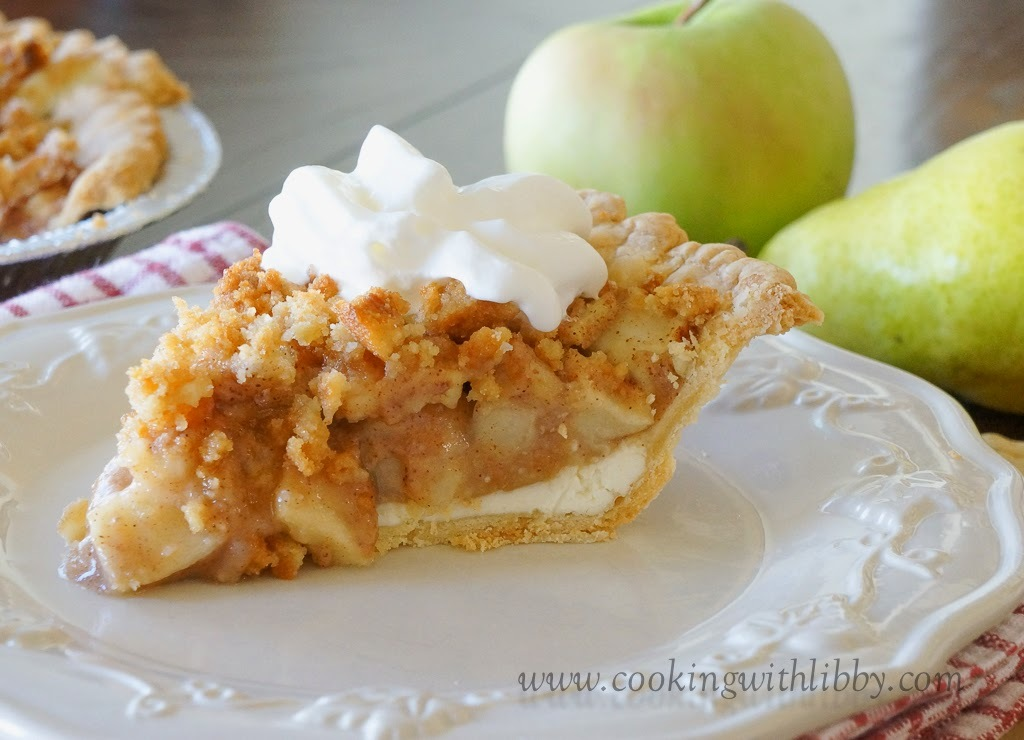 Apple & Pear Crumble Pie