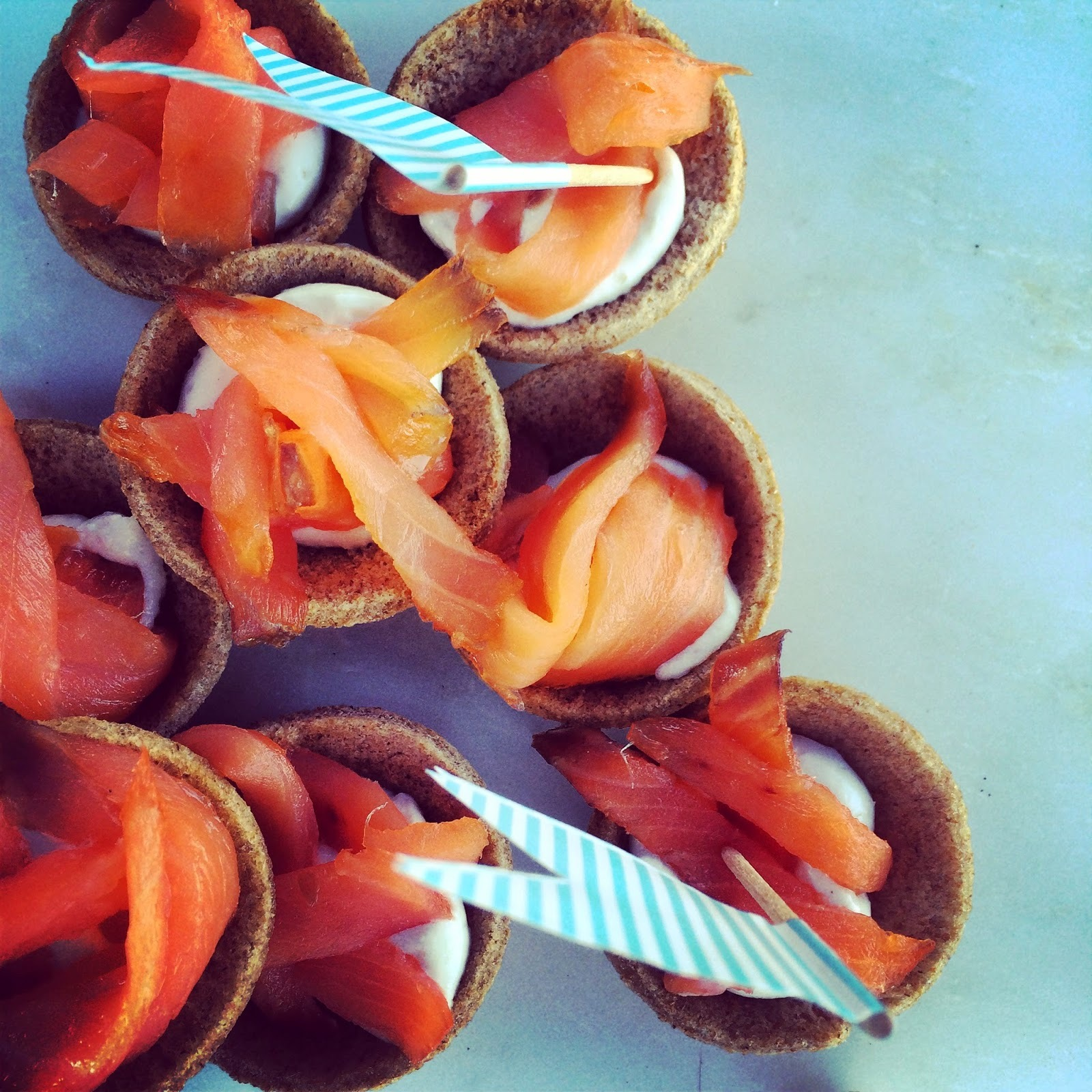 Brown Bread Cups with Smoked Salmon and Horseradish Cream Canapés