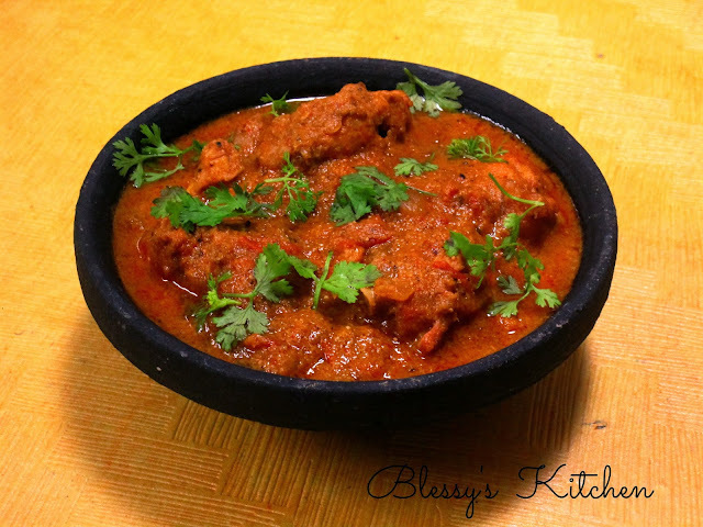 Chicken Pot Curry (Chicken Curry Cooked in a Clay Pot)