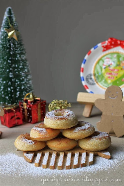 Recipe: Doughnut Christmas Tree