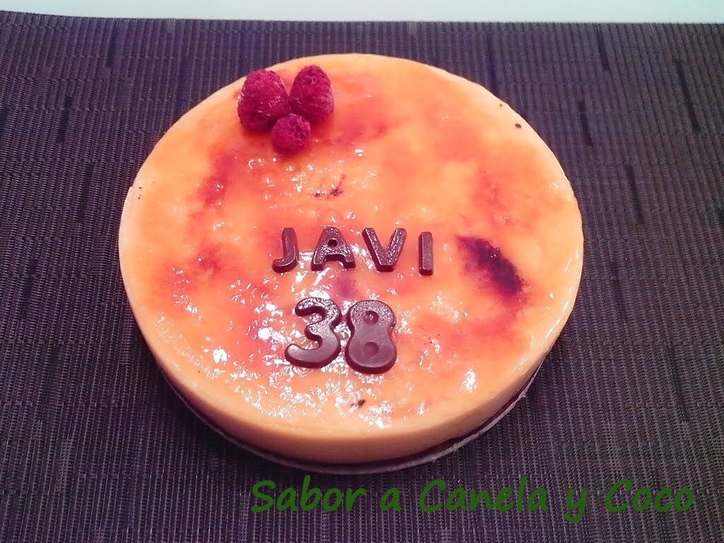 TARTA MOUSSE CREMA CATALANA Y BASE BROWNIE
