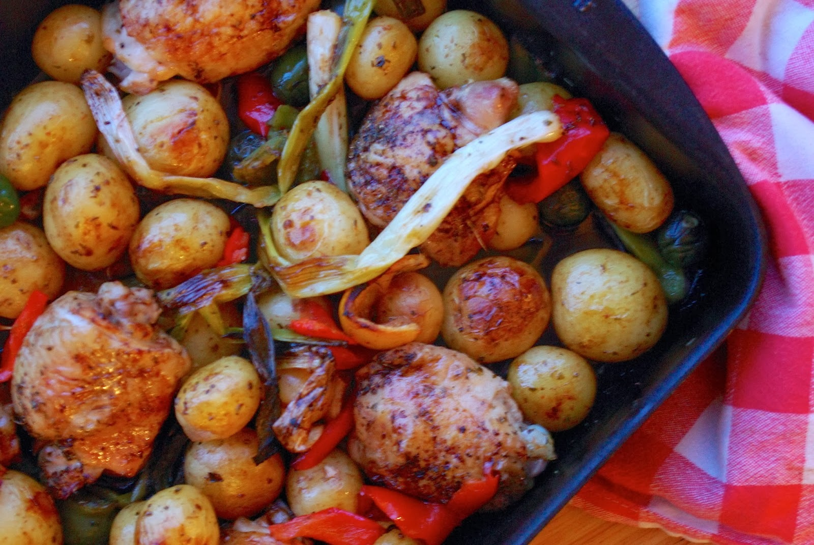 Italian chicken tray bake with potatoes and peppers
