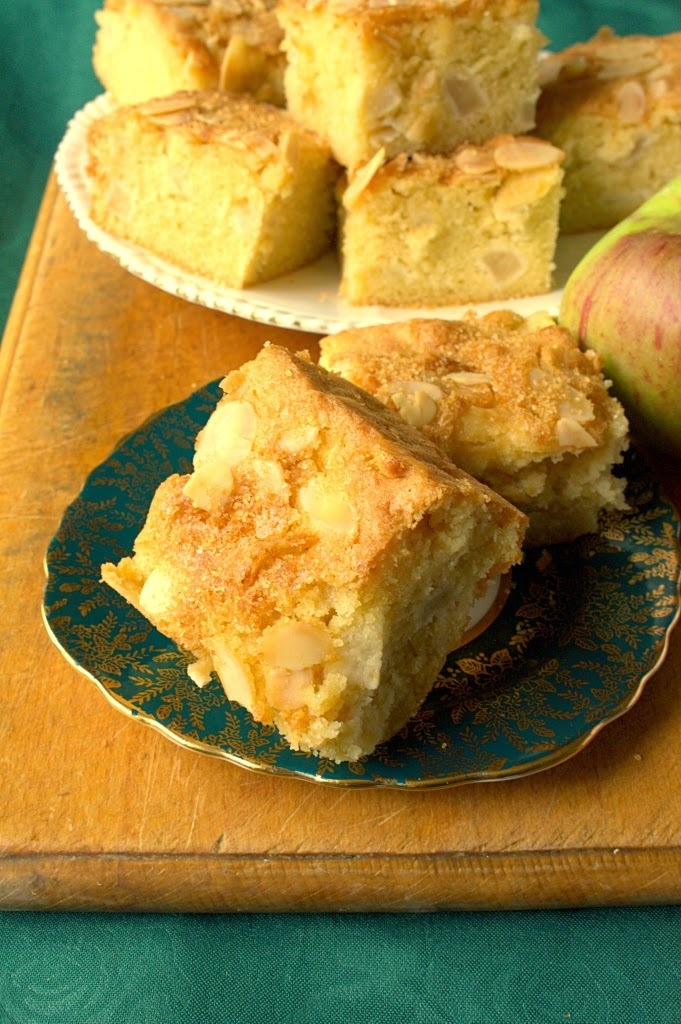 Almond Apple Traybake
