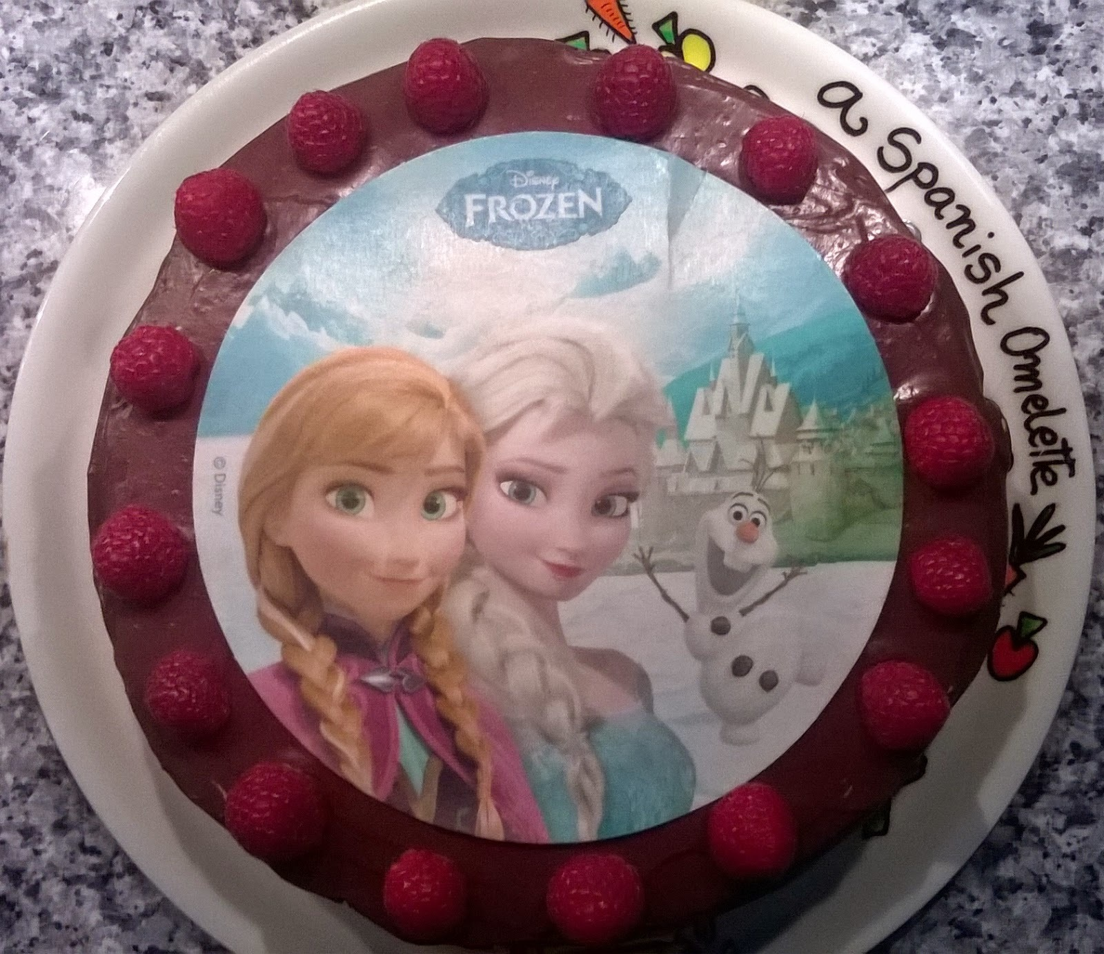 "Tarta de cumpleaños con sorpresa ""Frozen"" / ""Frozen"" birthday cake with surprise"