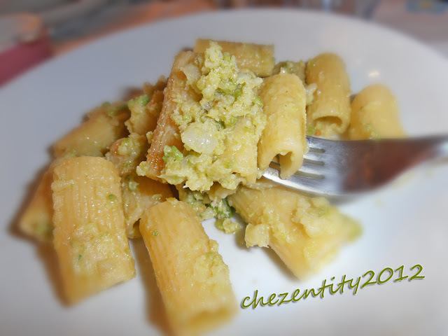 Rigatoni con broccolo romanesco