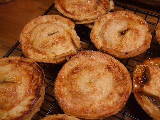 Making mince pies with Lola - Two recipes: rich shortcrust mince pies and rose mince pies.