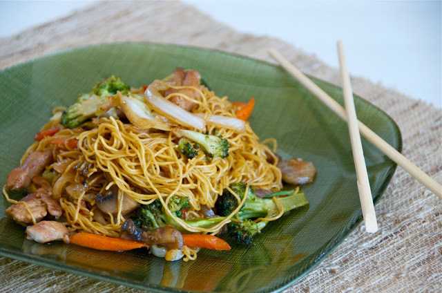 Chicken Chow Mein with Vegetables