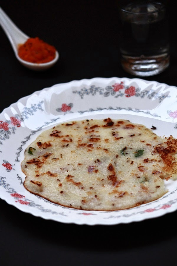 Rava uttapam / Onion rava uttapam recipe - Easy breakfast recipe