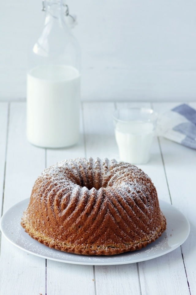 White Chocolate Bundt Cake {Bundt Cake de Chocolate Blanco}