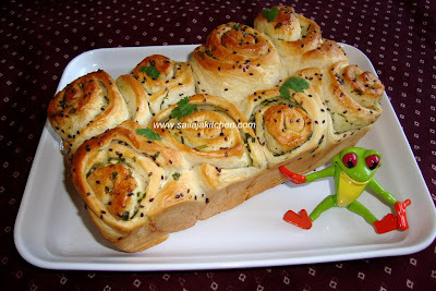 Garlic Bread Roll / Garlic Rolls Recipe / Garlic Butter Roll Recipe