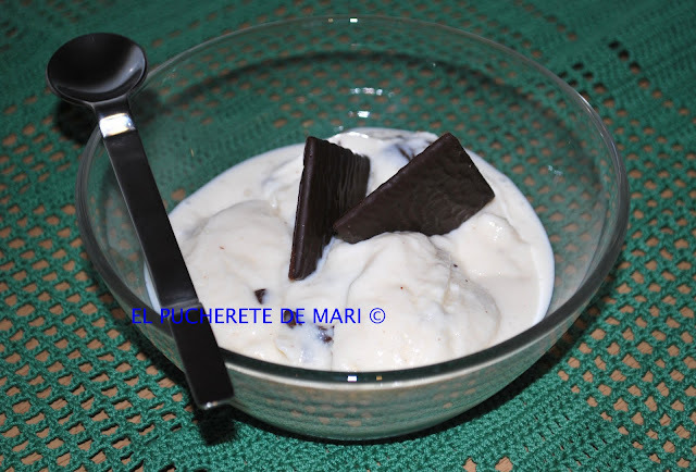 HELADO DE VAINILLA Y AFTER EIGHT