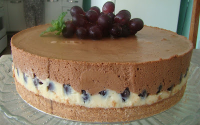 Torta Mousse de Chocolate Com Uvas