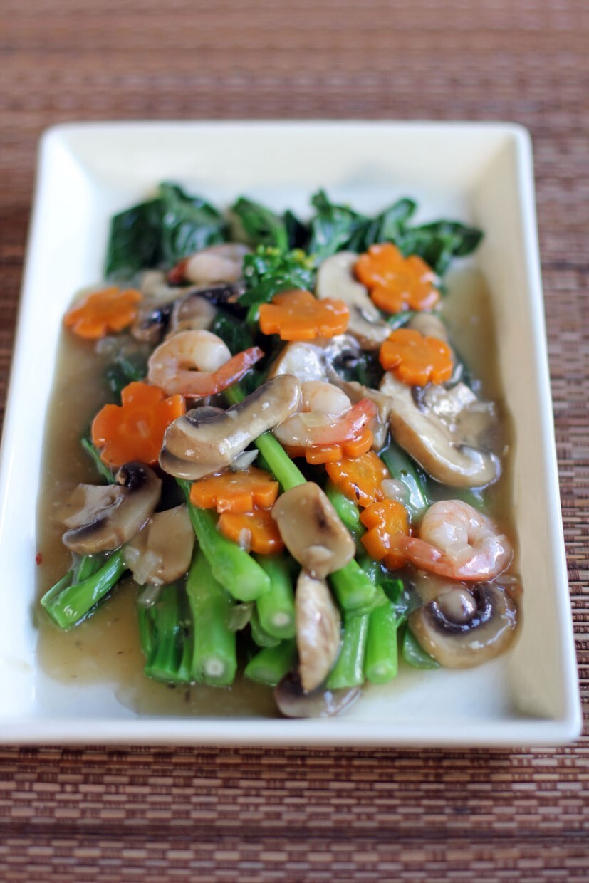 Choysum in Shrimp and Mushroom Sauce