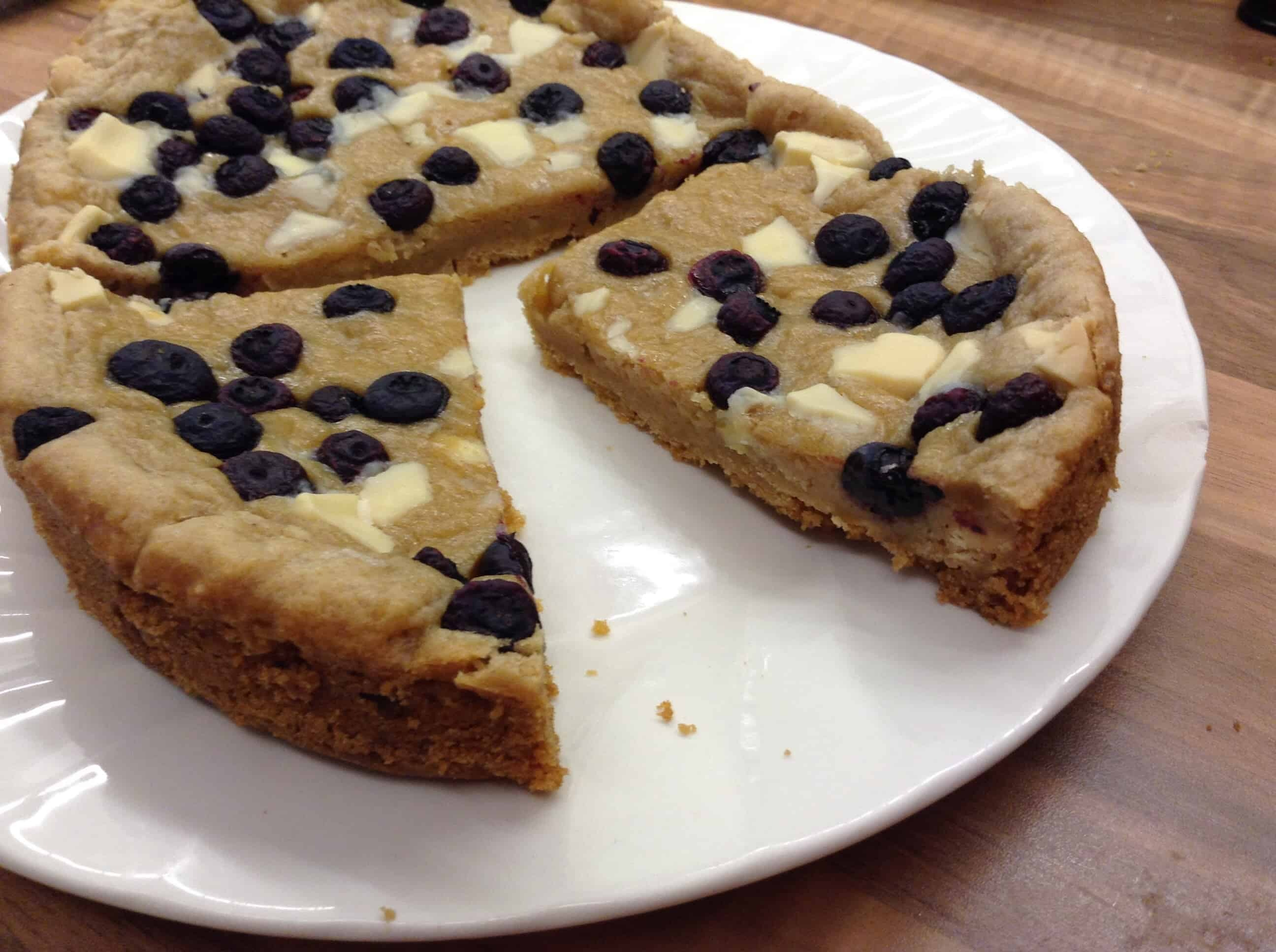 Slow Cooker Giant White Chocolate and Blueberry Cookie