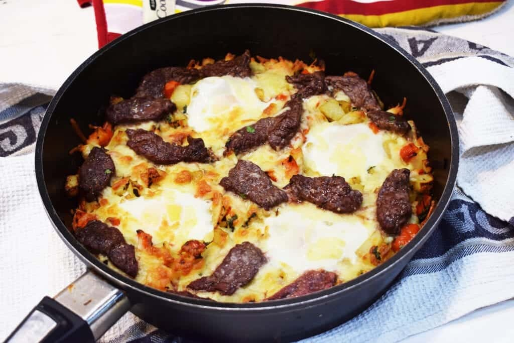 Cheesy Steak & Egg Hash