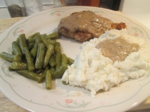 Country Fried Veal Cubed Steak w/ Mashed Potatoes, Green Beans, and Garlic Knot Bread