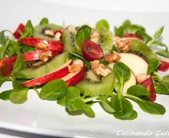 Ricette di salate con kiwi mytaste for Songino valeriana