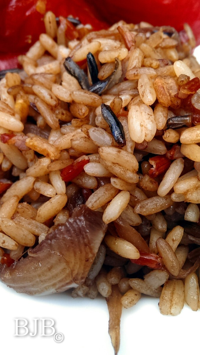 Wild rice with caramelized onions and balsamic vinegar