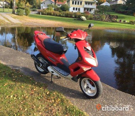 Peugeot speedfight 2 wrc 206 (30 moped)