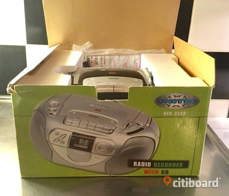 Kompaktstereo med cd, radio och kassett. Oanvänd!