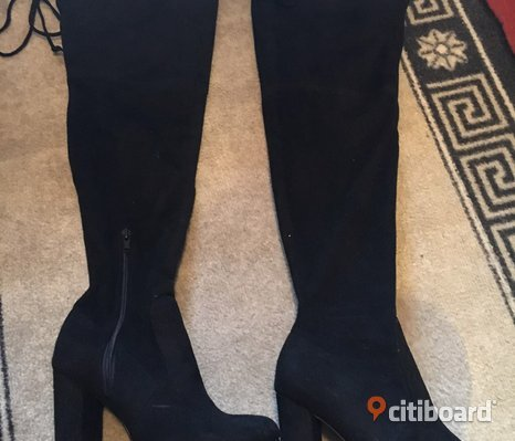 Perfekta knee high boots i mocka