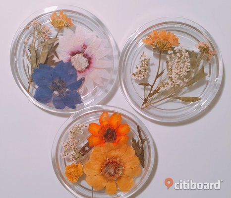 Handmade dried flowers badge (handgjord blommor badge)