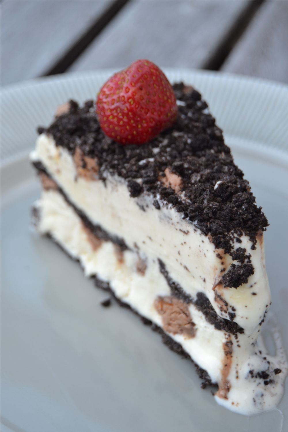 Frozen Oreo Cheesecake