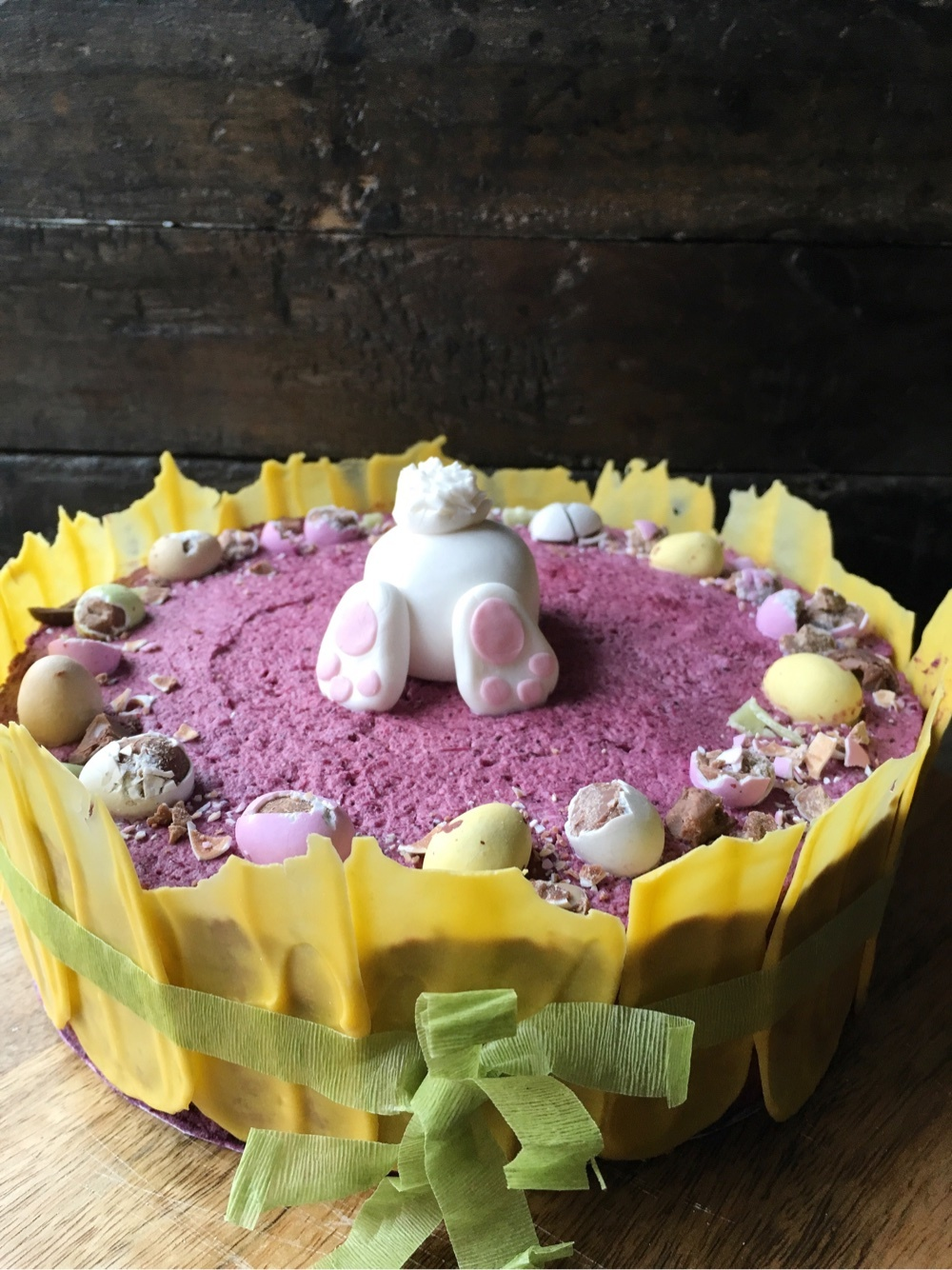 Blueberry mousse cake for Easter ~ Blåbärsmousse tårta till Påsk