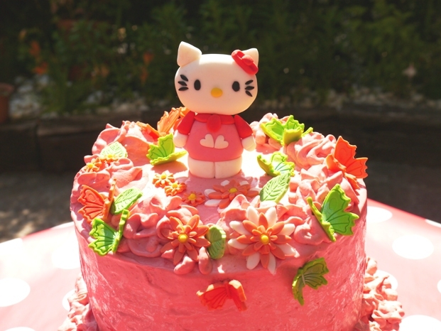 TARTA DE CHOCOLATE Y FRESA… ¡DE HELLO KITTY!