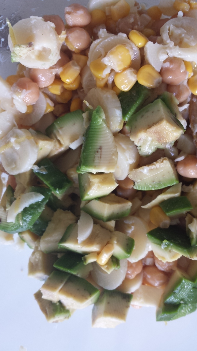 Heart of palm, Corn,Chickpea and Avocado Salad: yummy!