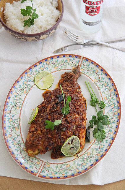 Foil-baked pomfret with Indian spices (meen pollichathu)
