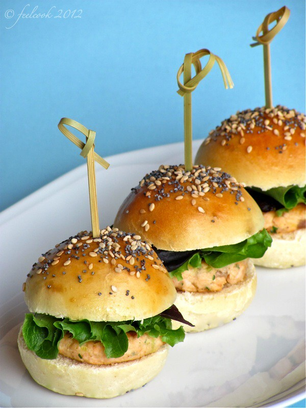 Mini hamburger di salmone