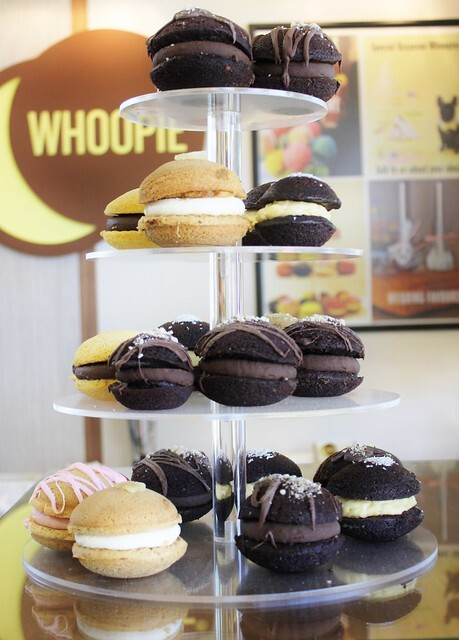 Cafe Review: Whoopie Pies