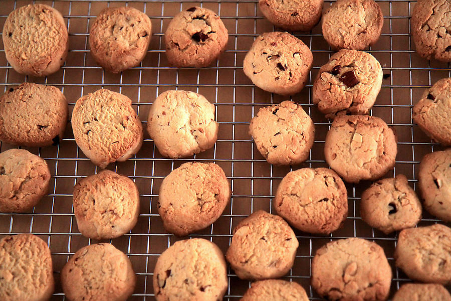 Brown rice almond cookies