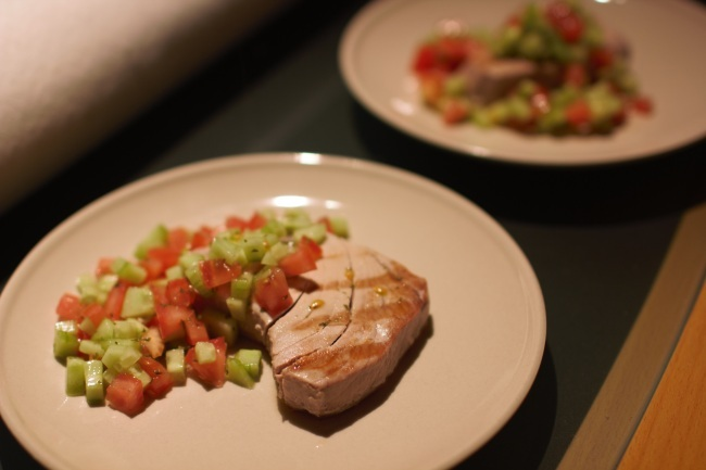 Tuna Steaks with cucumber relish (recipe)