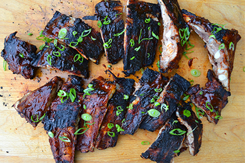 American spareribs og sweet potato fries