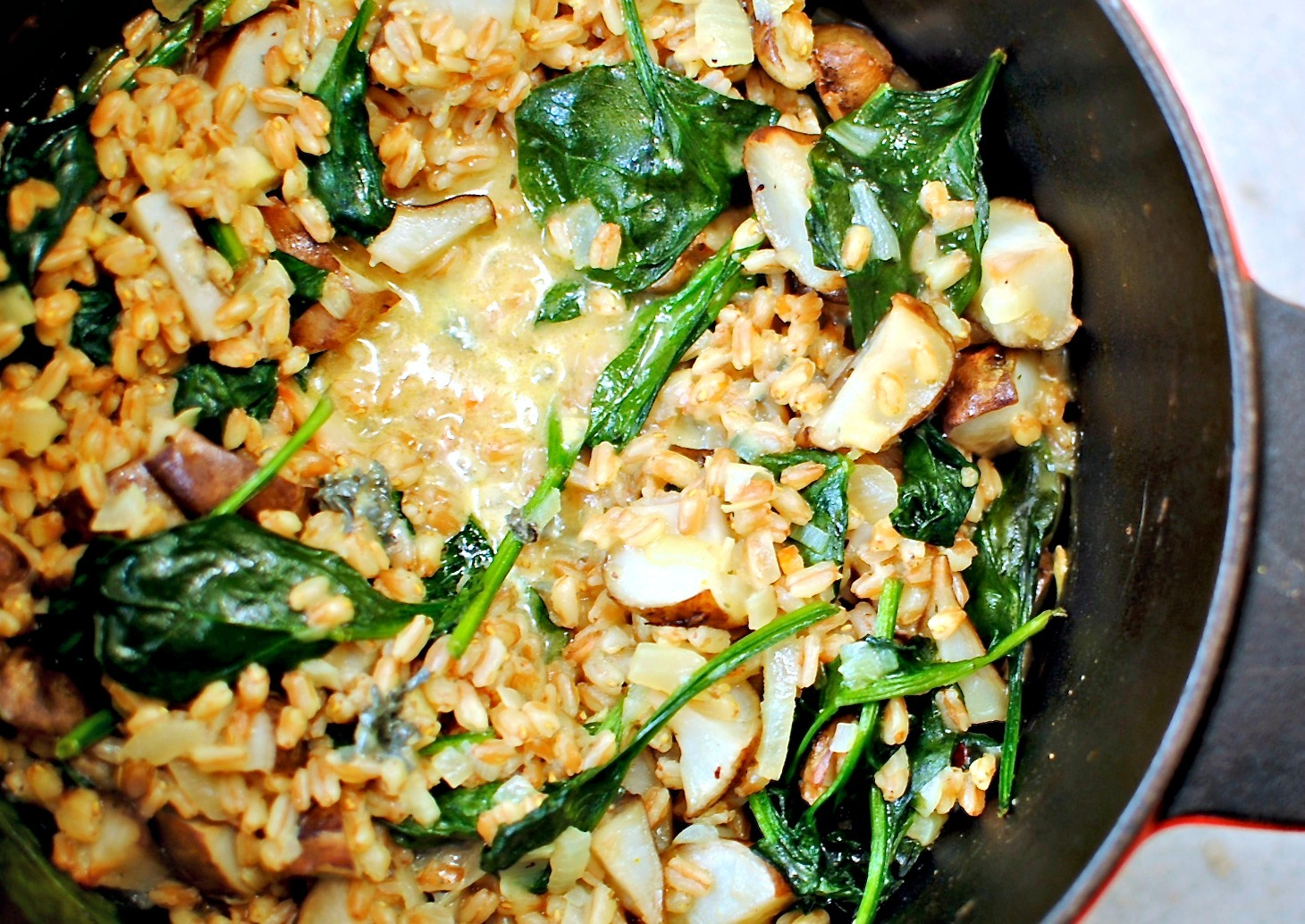 Oven-baked Jerusalem Artichoke and Spelt Risotto with Blue Cheese