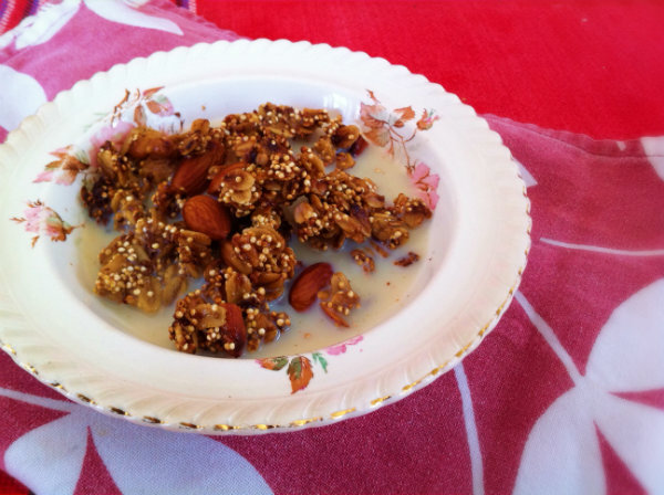 Quinoa, Walnut and Almond Granola