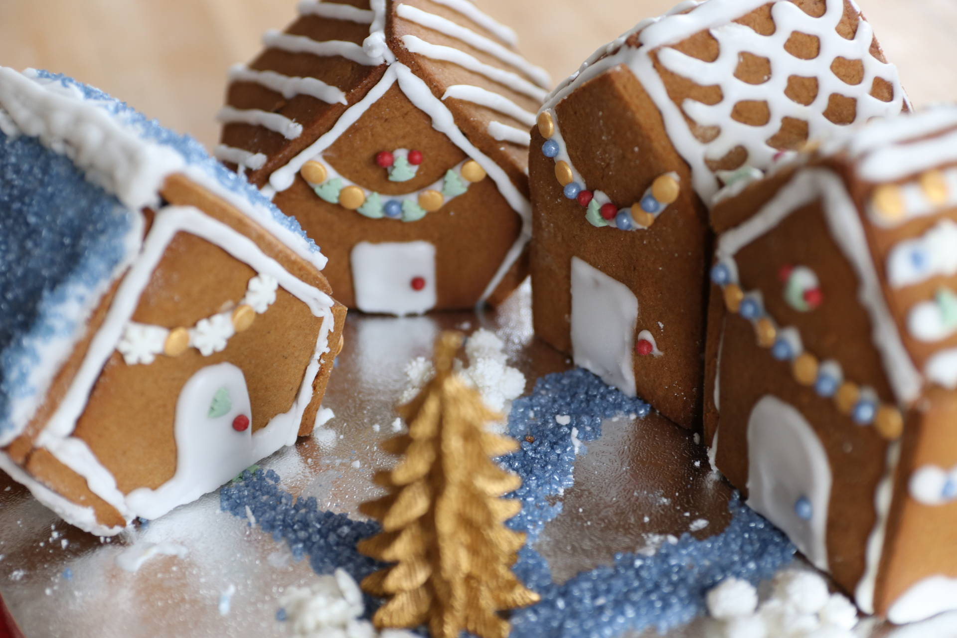 RECIPE: Mini Gluten Free Gingerbread Houses (Dairy Free)