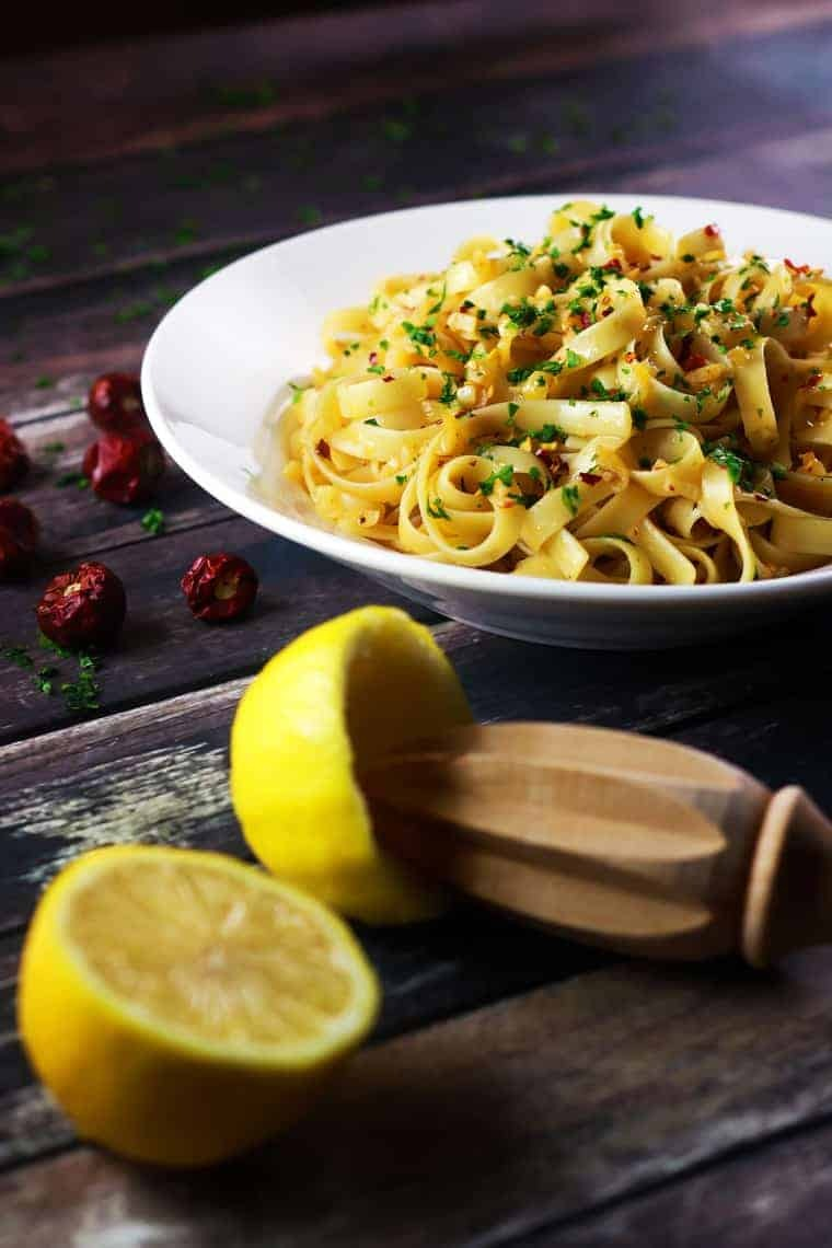 5 Ingredient Spicy Garlic Pasta