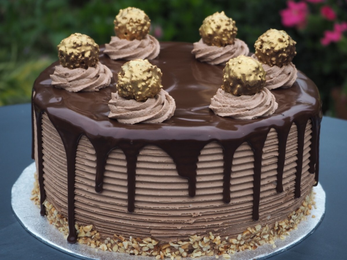 Ferrero Rocher and Nutella Cheesecake Cake