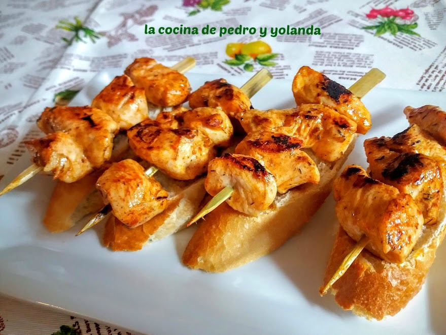 Brochetas de pollo en adobillo