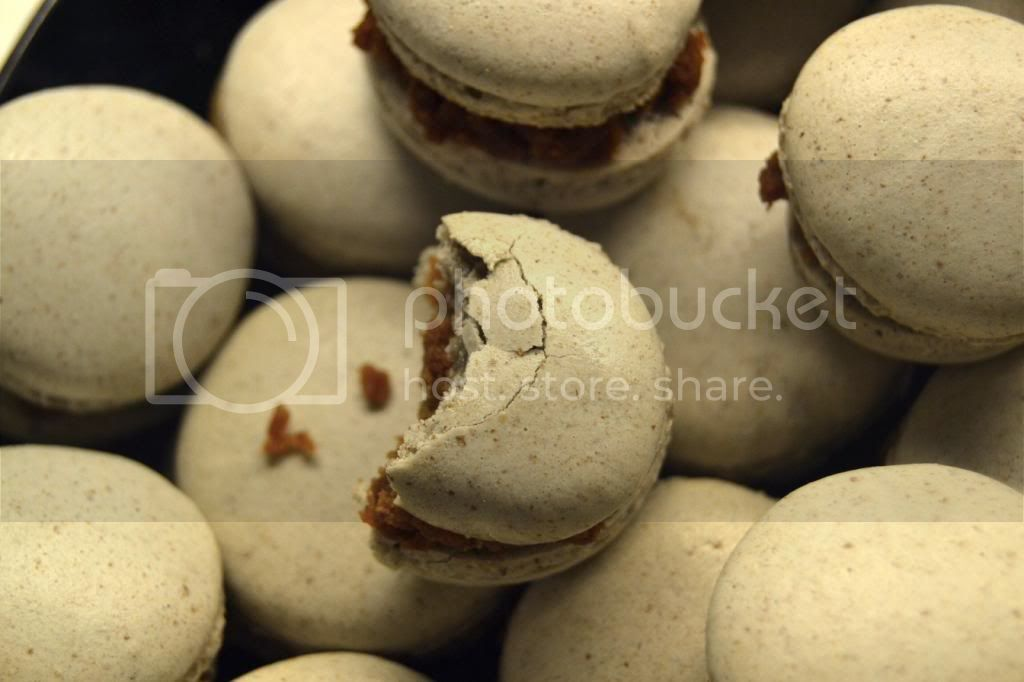 [Recipe] Macaroons with Liquorice ganache ||| [Opskrift] Macaroons med lakrids ganache