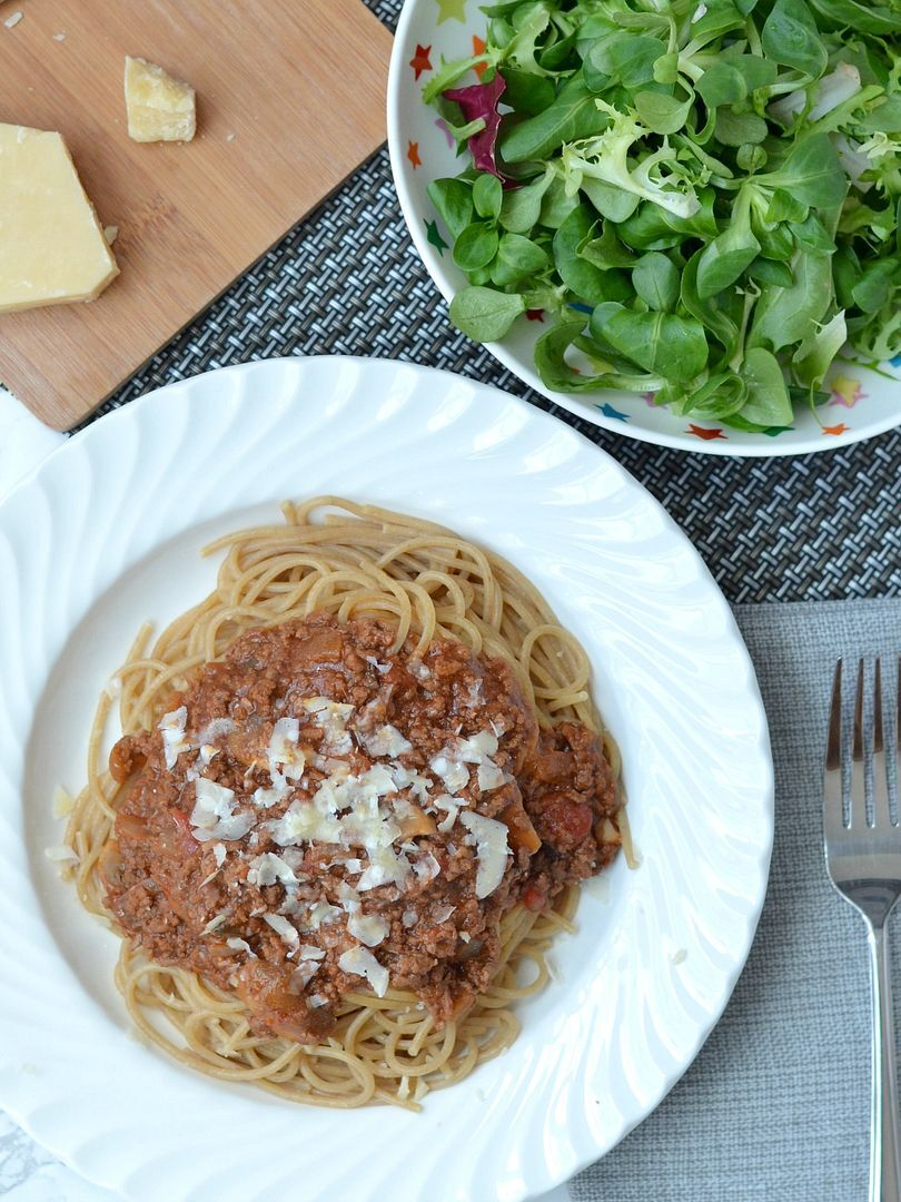 Rich & Meaty Spaghetti Bolognaise & Chilli Stuffed Peppers