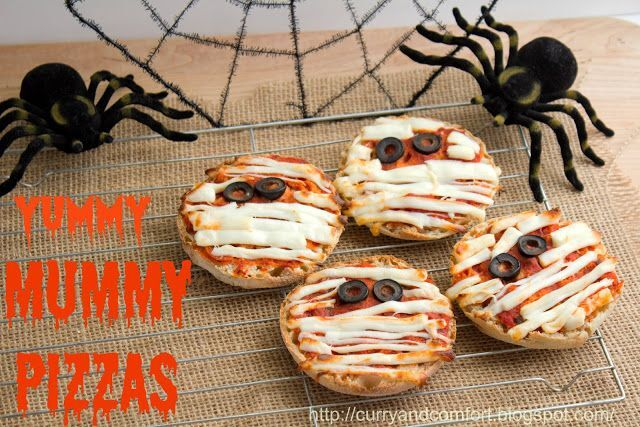 Halloween Mummy Pizza's