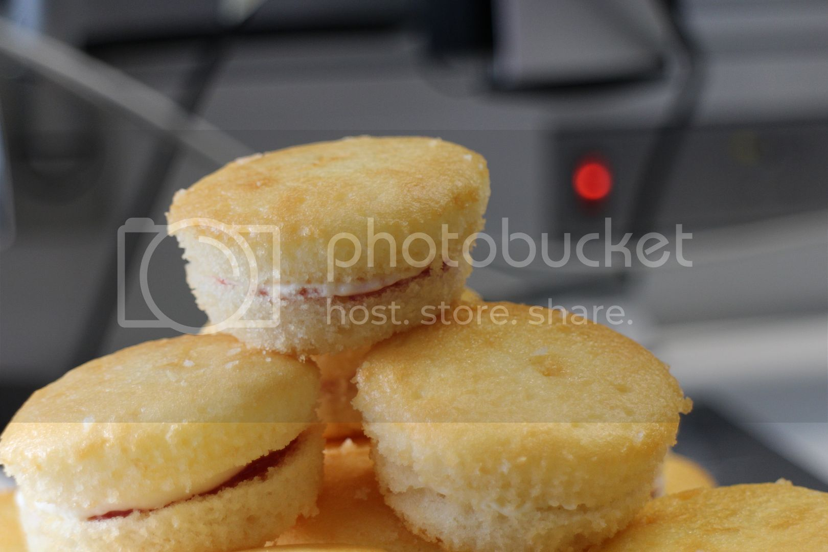 Recipe: Mini Victoria Sponges