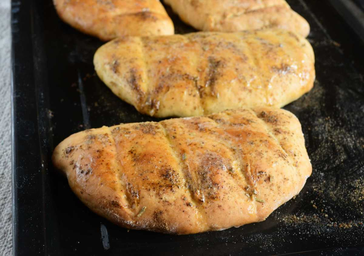 Domino's Style Garlic Bread Recipe #BreadBakers