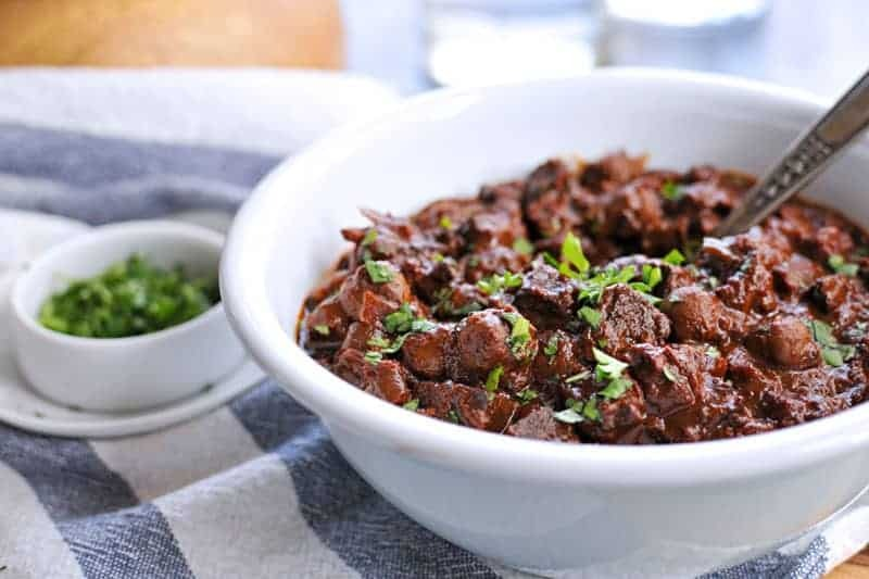 slow cooker vegan mole chili