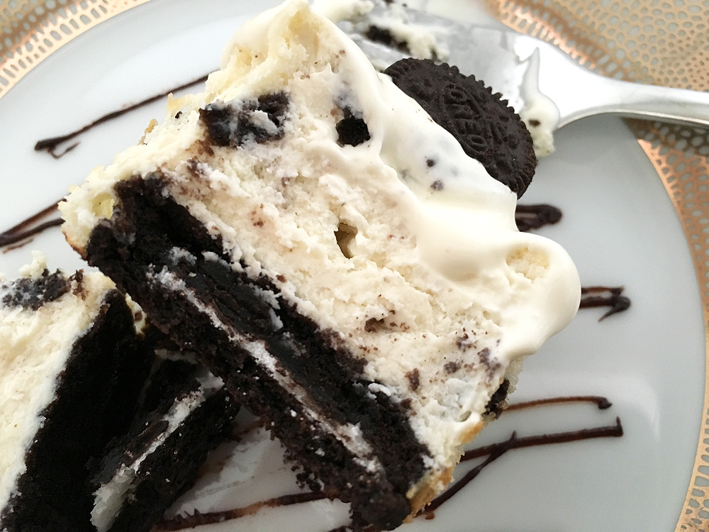 Oreo cream cheesecake cupcakes